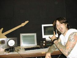 Tommy Lee in the studio in front of FL Studio